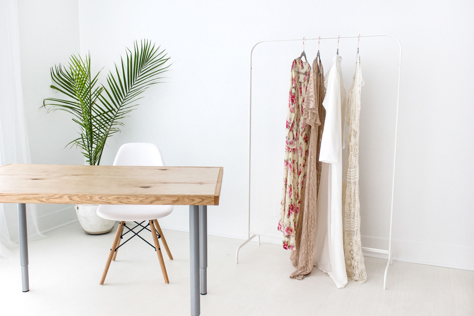 fashion style trends clothing rack