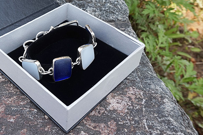 thejewellerypeople.com Blue & White Beach Glass Silver Bracelet
