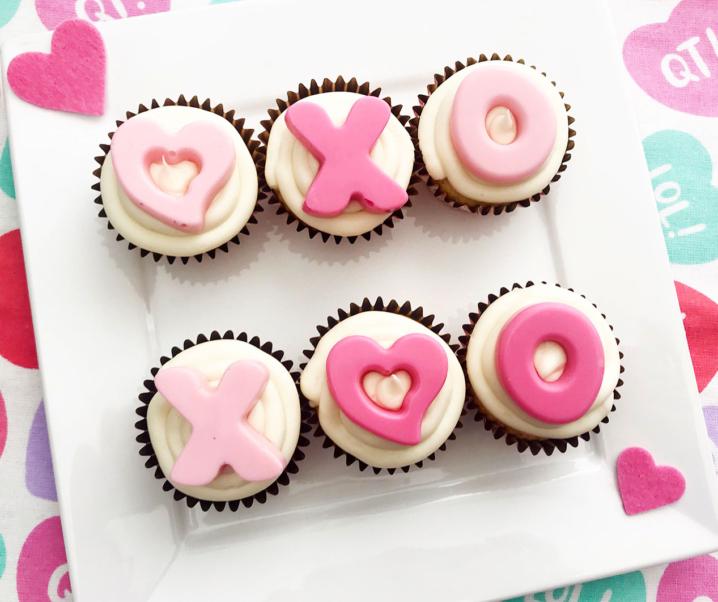 XOXO – Love Inspired Valentine Cupcakes