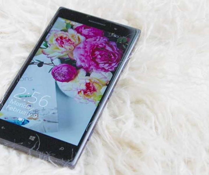 Unboxing the Lumia 830 #LumiaSwitch
