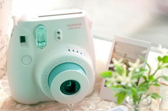 Fujifilm Instax Mini 8 Giveaway!