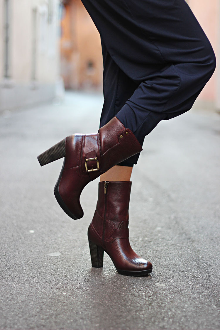 Vogue Influencer Lida Sayer Bootie Clarks