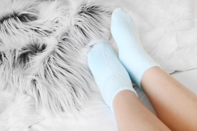 Earth Therapeutics Blue Aloe Socks