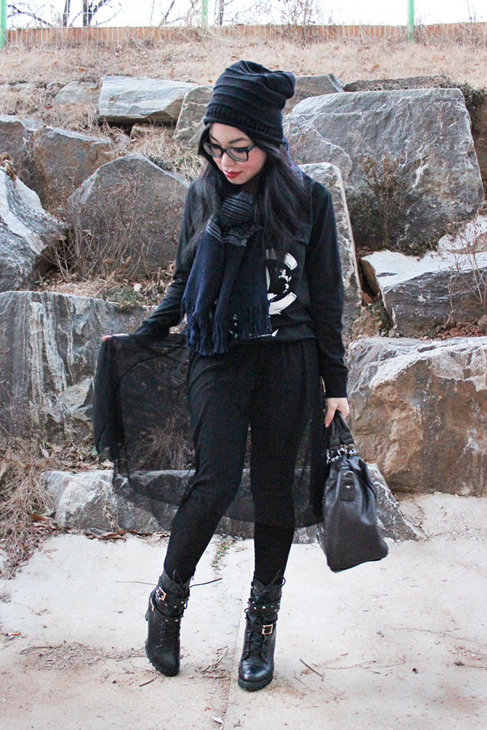 dark gothic black fashion style