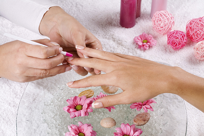 how to have stronger nails