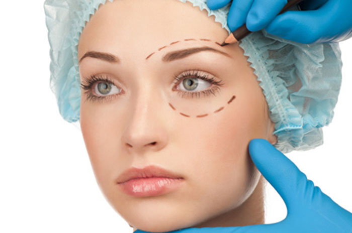 When to Go Under the Knife: Seasonal Plastic Surgery